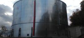 Galvanized steel 1000 mc tanks